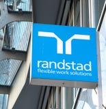 Советовать с Randstad HR стоковые изображения rf