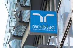 Советовать с Randstad HR стоковое изображение