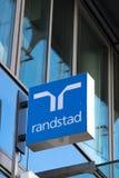 Советовать с Randstad HR стоковое фото rf