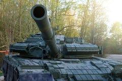 Советский главный боевой танк Оно было создано в начале 1960-ых годов в конструкторском бюро Morozov Харькова оружия танка боя Стоковые Фото