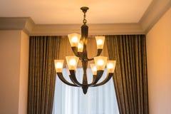 Современная лампа смертной казни через повешение стиля окном Стоковые Изображения RF