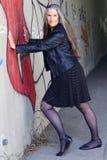 Современная более старая женщина в мини платье Стоковая Фотография RF