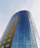 Современная конкретная и стеклянная башня Стоковые Фото