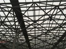 Современная конструкция крыши от стали и стекла Стоковое фото RF