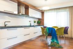 Современная кухня интерьера дома Стоковая Фотография RF