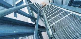 Современная металлическая структура внутри склада Пустая окружающая среда Стоковое Фото