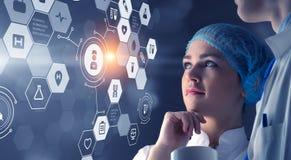 Современная медицинская концепция технологий Мультимедиа Стоковое Изображение RF