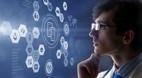 Современная медицинская концепция технологий Мультимедиа Стоковые Фотографии RF