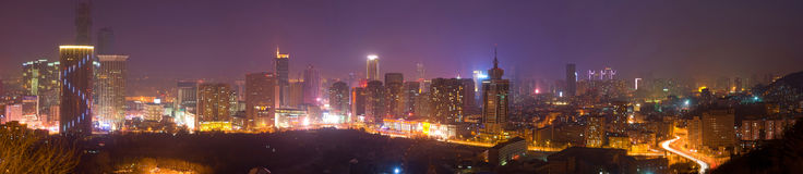 Современная панорама сцен ночи города Стоковые Изображения RF