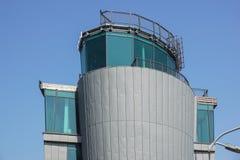 Современная покинутая диспетчерская вышка ` s авиапорта Стоковое Изображение RF