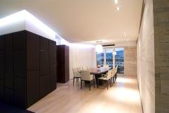 современная просторная квартира залы стоковое изображение