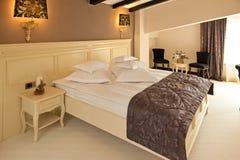 Современная спальня гостиницы Стоковое Изображение