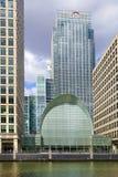 Современная стеклянная архитектура канереечного причала, Лондона Стоковые Фото