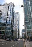Современная стеклянная архитектура канереечной арии дела причала, и работники офиса Стоковое Изображение