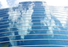 Современная стеклянная башня офиса Стоковые Фотографии RF