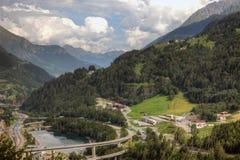 Современная сложная инфраструктура швейцарских горных вершин Стоковые Изображения RF