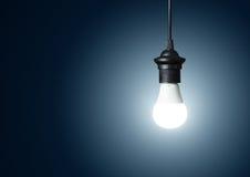 Современная электрическая лампочка стоковые фото