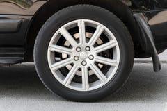 Современное автомобильное колесо Стоковые Изображения RF