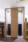 Современное внутреннее художественное оформление лобби гостиницы Стоковое Изображение RF