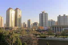 Современное здание около древнего города xian Стоковые Фото