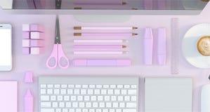 Современное место для работы с компьютером и канцелярскими принадлежностями установило на розовую предпосылку цвета Взгляд сверху Стоковое Изображение RF