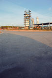 Современное промышленное здание над голубым небом Стоковое фото RF