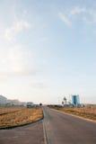 Современное промышленное здание над голубым небом Стоковое Изображение RF
