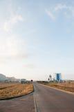 Современное промышленное здание над голубым небом Стоковые Фотографии RF