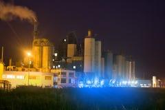 Современное химическое производство стоковая фотография rf