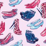 Современные ботинки дам: клин, slingbacks, шпильки, ботинки суда и котенок кренят в красной и голубой палитре цветов иллюстрация штока