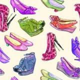Современные ботинки дам: клин, slingbacks, шпильки, ботинки суда и котенок кренят, вручают покрашенную иллюстрацию акварели бесплатная иллюстрация
