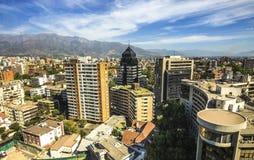 Современные жилые дома и квартиры в городском Сантьяго, Чили Стоковая Фотография