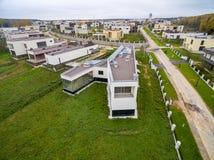 Современные загородные дома под конструкцией Стоковые Фото