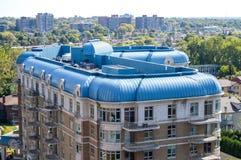 Современные здания кондо с огромными окнами Стоковые Фото