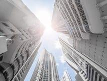 Современные здания небоскреба, смотря вверх в городском городе Стоковые Изображения RF