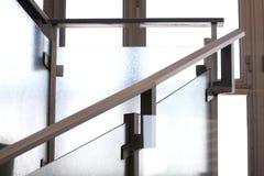 Современные лестницы внутри небоскреба стоковые изображения