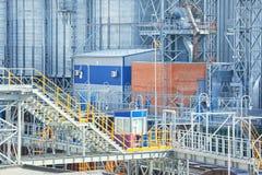 Современные лифты зерна стоковое изображение