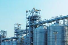 Современные лифты зерна стоковое фото