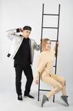 Современные модные пары битника с лестницей Стоковая Фотография