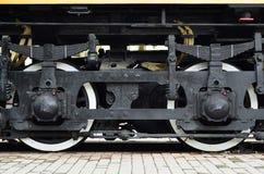 Современные локомотивные колеса стоковое изображение