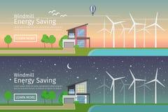 Современные дома с альтернативными энергией зеленого цвета Eco, заходом солнца и ночой, плоскими установленными знаменами сети Стоковые Изображения RF