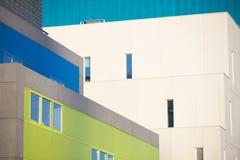 Современные офисные здания. Красочные здания в промышленном месте. Стоковое фото RF