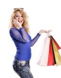 Современные покупки молодой женщины и говорить на клетке Стоковое Фото