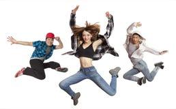 Современные танцуя изолированные танцы практики группы Стоковая Фотография