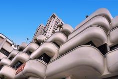 Современные balconys и фасад здания в набережной Кларка, Сингапуре стоковое фото rf
