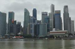 Современный архитектурный дизайн в здании подъема Сингапура высоком финансового и финансового района стоковое изображение rf