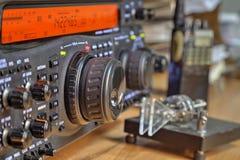 Современный высокочастотный приемопередатчик радиолюбителя стоковая фотография rf