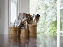 Современный держатель ложки на обеденном столе Стоковые Фото