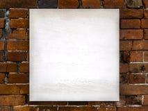 Современный знак на кирпичной стене Стоковая Фотография