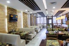Современный интерьер ресторана Стоковые Фотографии RF